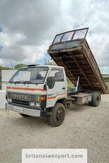 TOYOTA Dyna 300 14B 3.6 diesel left hand drive 7.5 ton tippbil